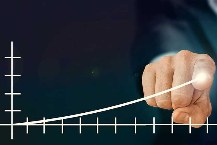 営業効率が上がると、営業人数も増やさずに済む